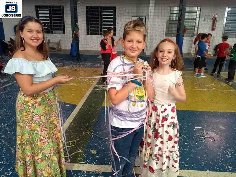 Alunos do Ensino Fundamental participam do