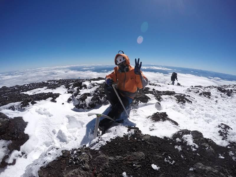 Guaxupeanos escalam os mais de 2.800m do vulcão Pucón, no Chile