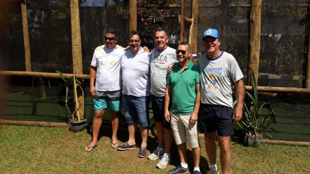 Diretoria do Guaxupé Country Club inaugura orquidário