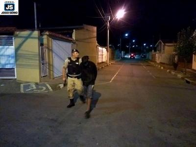 PM de Guaxupé captura assaltantes do Posto Ipiranga pouco depois do crime